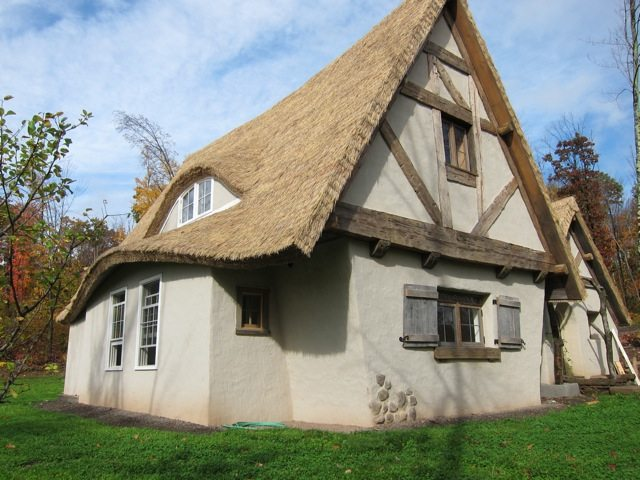 Endureed premium, synthetic thatch roofs support US economy., require no netting.